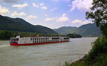 Pourquoi les croisières fluviales en péniche sont aussi populaires